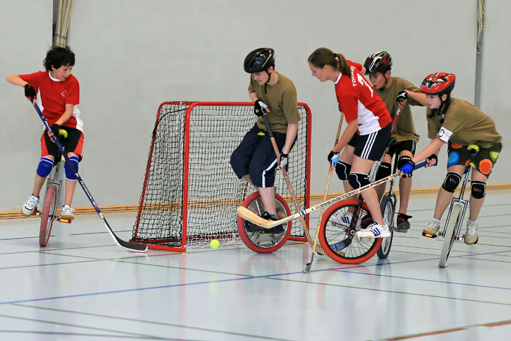Unicycle hockey_3