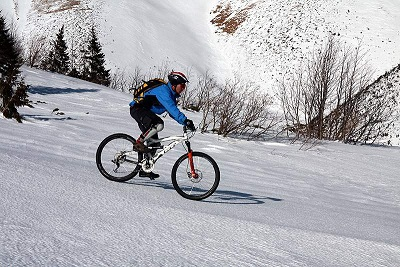 Winter_mountain_biking