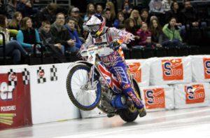Racing_on_ice_track_1