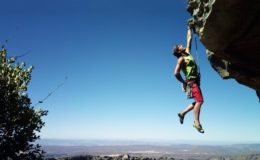 Climbing-Extreme-Sport-Wallpaper