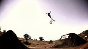 Dirt_Jumping_2