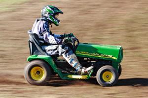 racing_ride_on_mowers_2