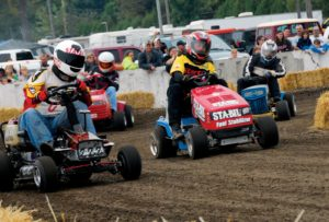 racing_ride_on_mowers_3