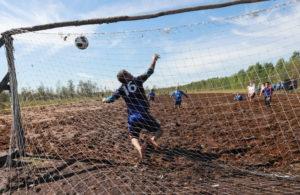 Американский футбол в грязи