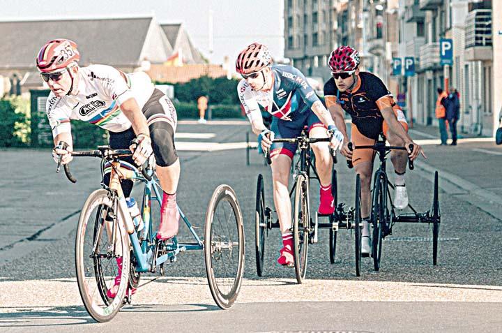 Гонка на трёхколёсных велосипедах