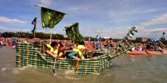Соревнования на лодках, сделанных из пивных банок.