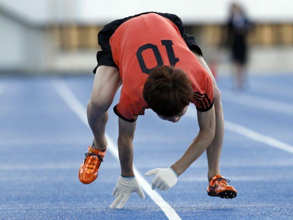 Бег человека на четырех конечностях (Квадробика, quadrobics)