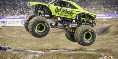 Выступление автомобилей Биг-фут (Bigfoot (truck))