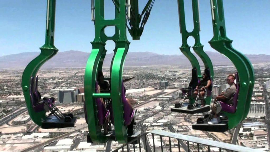"""Экстремальная карусель """"Insanity"""" в Лас-Вегасе, США"""