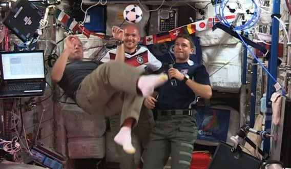 Футбол в невесомости