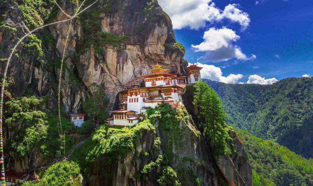 10 самых удивительных буддийских монастырей