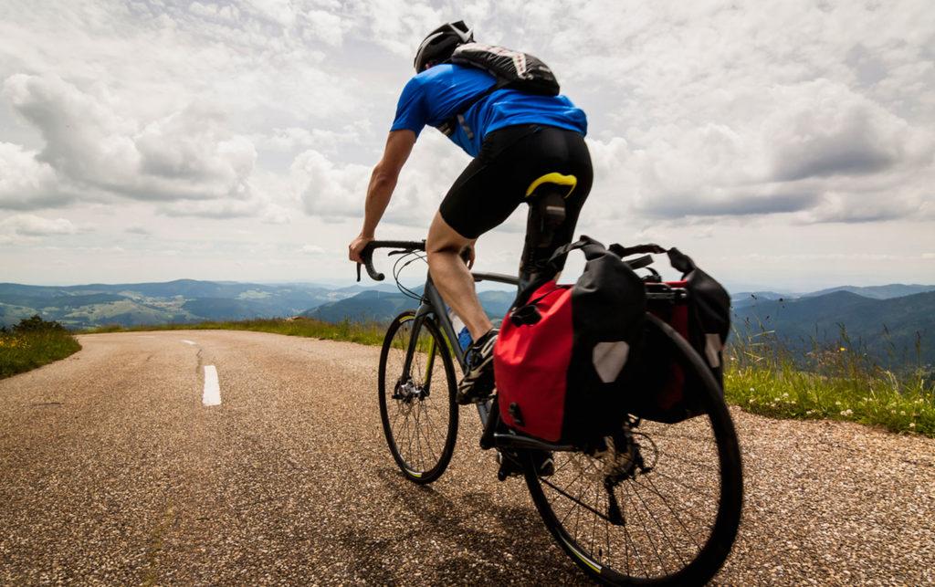 Велотуризм - самый популярный вид туризма.
