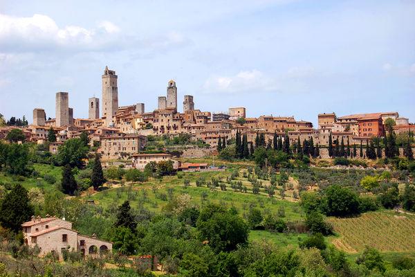 Отдых и Туризм в Сан–Джиминьяно, Италия
