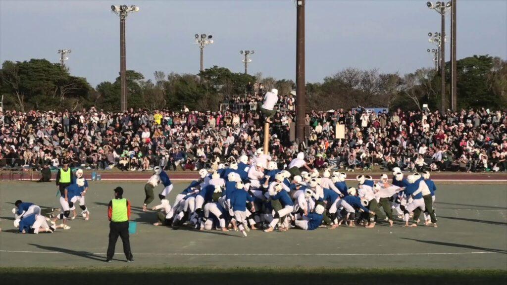 Японская спортивная игра «царь столба»