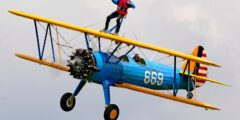 Винг-вокинг – Экстремальная прогулка по крылу самолета (США, Вашингтон)