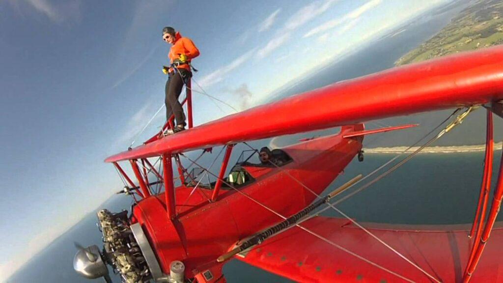 Винг-вокинг - Экстремальная прогулка по крылу самолета (США, Вашингтон)