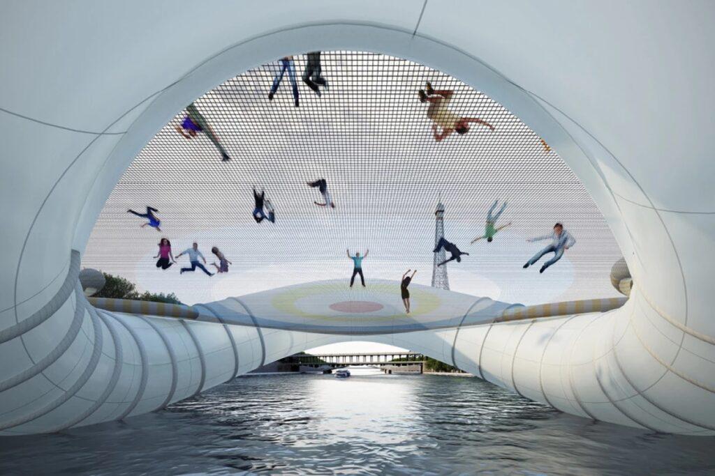 Надувной мост через Сену в Париже