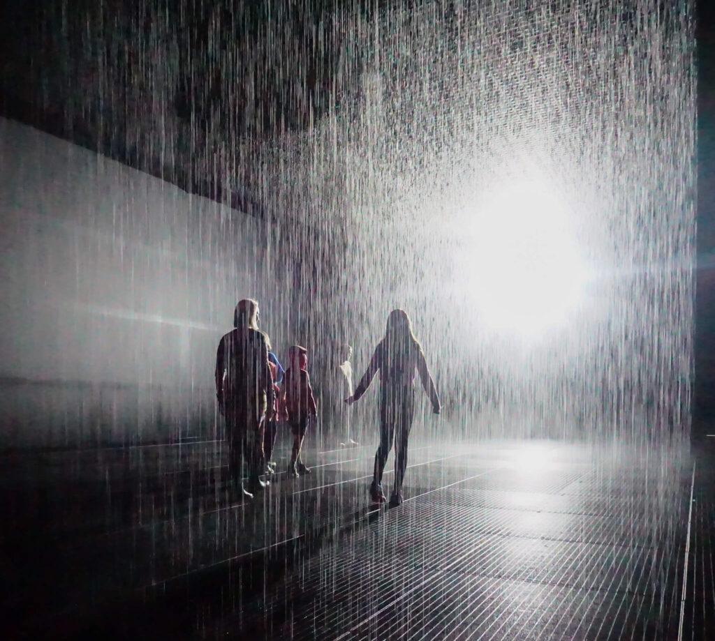 «Комната дождя» в Лондоне