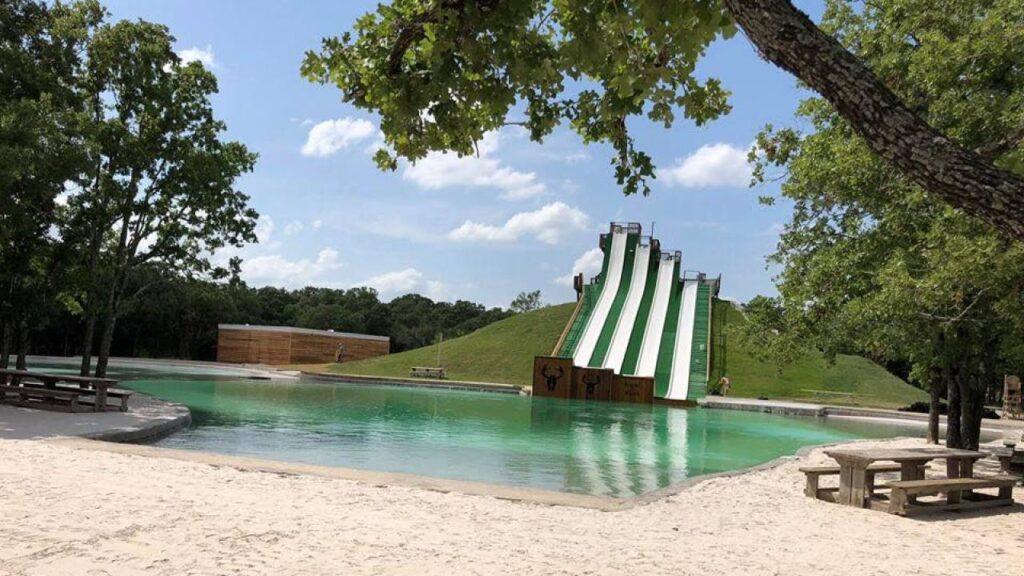 Самая длинная водная горка Royal Flush, BSR Cable Park, в Техасе