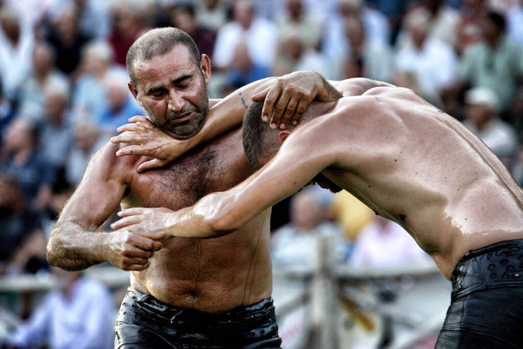 Ягле гурес (Oil wrestling)