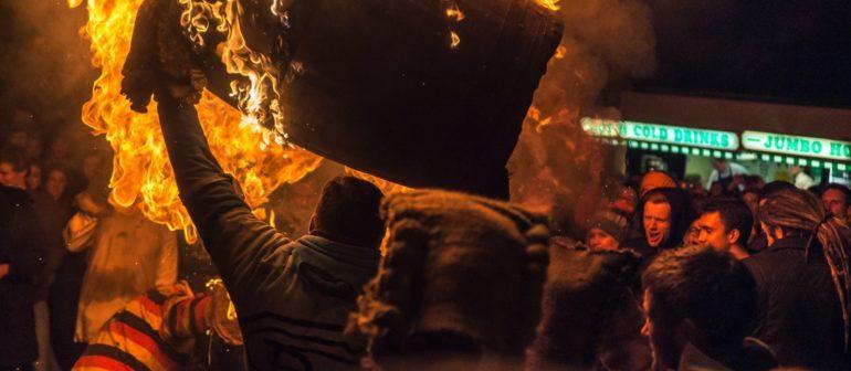 Фестиваль горящих бочек в Оттере