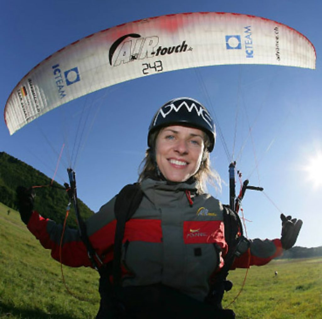 Ева Вишнерска - самая удачливая парапланеристка в мире
