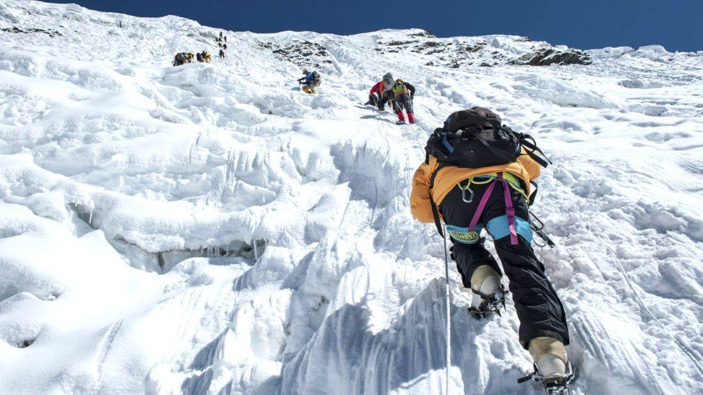 Спелеотуризм против альпинизма, в чем разница и что лучше выбрать?