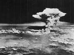 Цутому Ямагучи (Tsutomu Yamaguchi) - 2 раза пережил атомные бомбардировки
